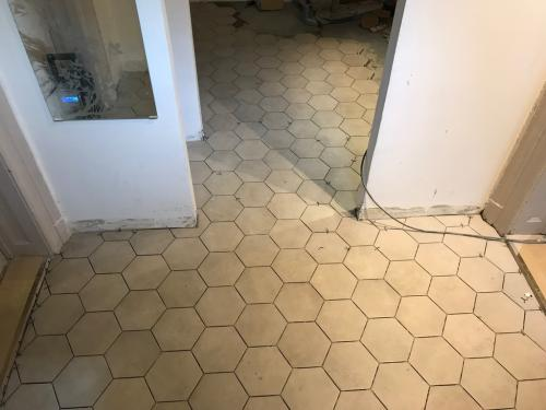 Hexagon padlóburkolat: 18 x 21 cm