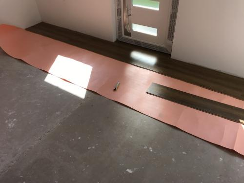 Laminált padlóburkolat