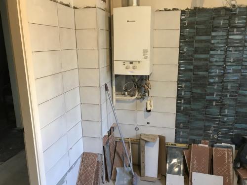 Fürdőszoba burkolat: 50 x 20 cm