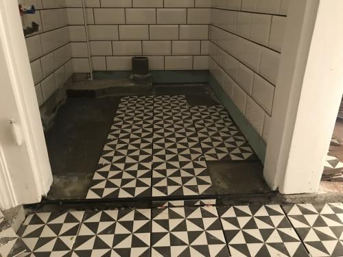 WC padlóburkolat