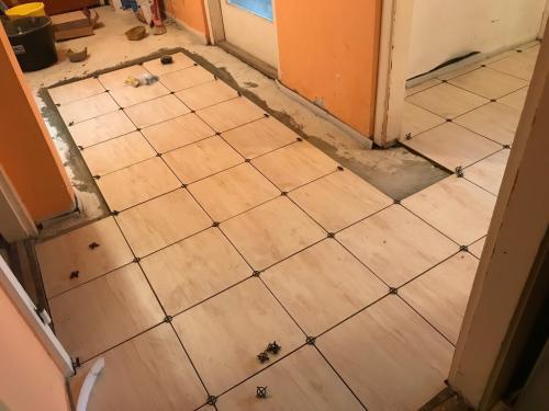 30 x 30 cm-es padlóburkolat