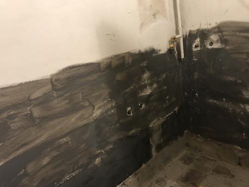 Fürdőszobafal alapozása