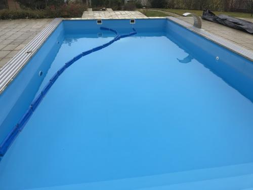 Kültéri, fóliaburkolatú úszómedence téliesítése