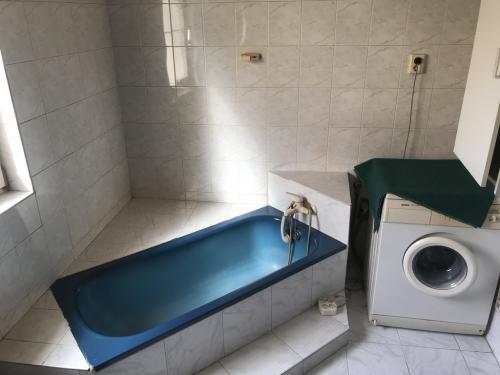 Bontandó, régi fürdőszoba