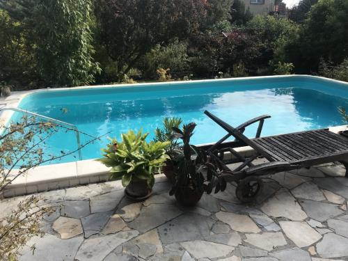 Fólia burkolatú úszómedence