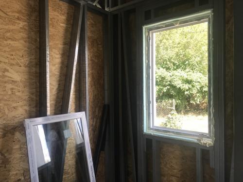 Hálószoba ablak 3 rétegű üvegezéssel
